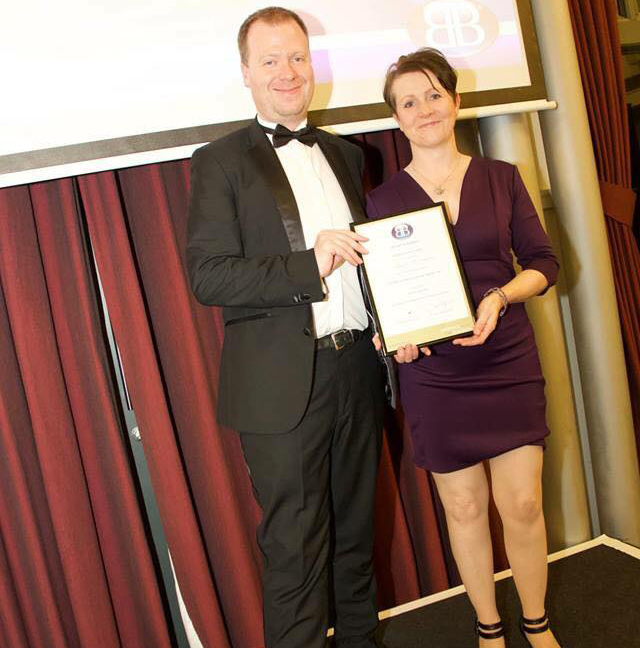 Dawn McGovern receives her award for runner up for Referral Master